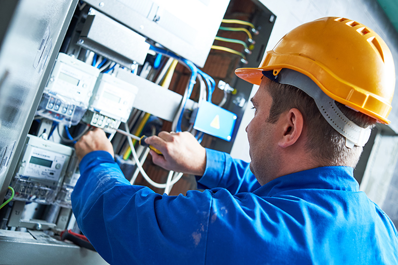 Become An Electrician in Maidstone Kent